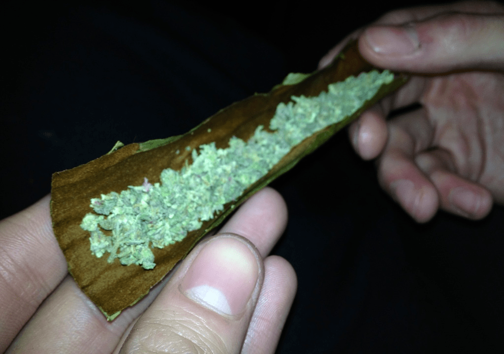 Top 10: Ways to Consume Your Cannabis - blunts