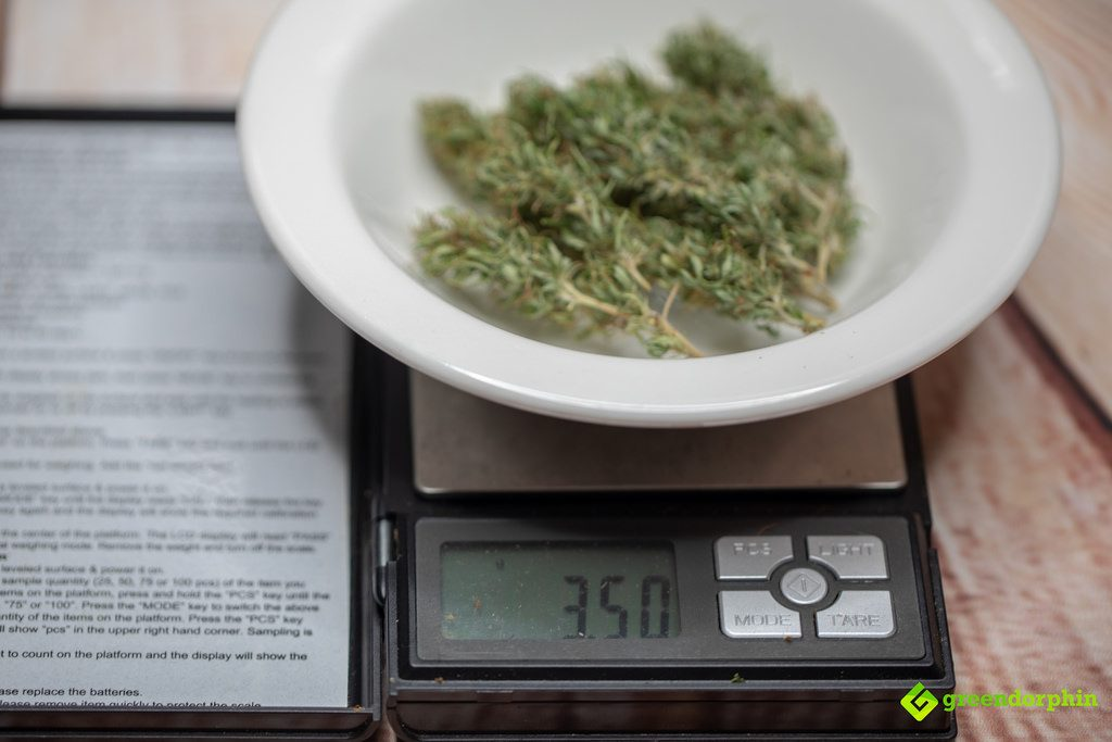 How Many Ounces to a Pound of Cannabis? - 3.5g