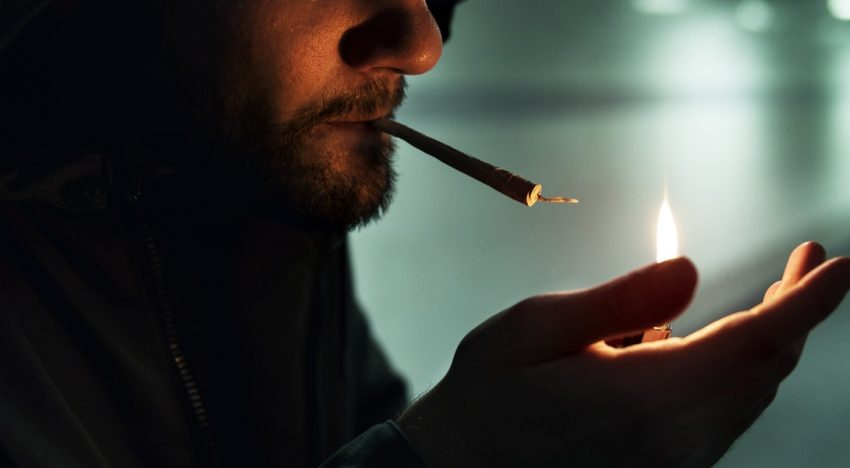 Data Shows Smoking Cannabis is a Dying Trend