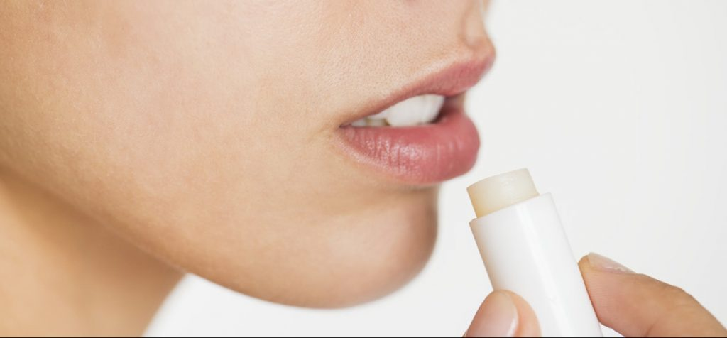 CBD to treat chapped lips